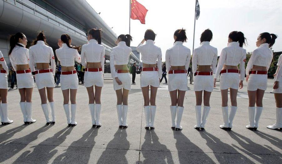 Pole position pour les pin-up des paddocks, en vu du Grand Prix de Formule Un de Shanghai en Chine.