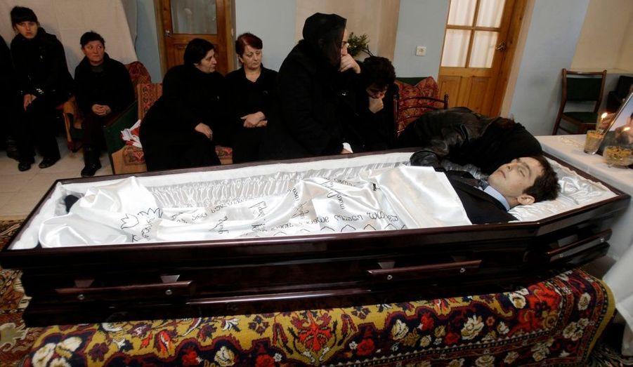 Le corps du lugeur géorgien Nodar Kumaritashvili a été rapatrié dans son pays.