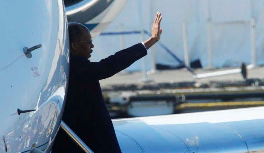 Jean-Bertrand Aristide est rentré au bercail après sept longues années d'exil en Afrique du Sud, depuis qu'il avait été renversé du pouvoir en 2004. Son retour était redouté par les Etats-Unis mais aussi la France, qui craignent qu'il ne déstabilise le déroulement du second tour de l'élection présidentielle de dimanche.