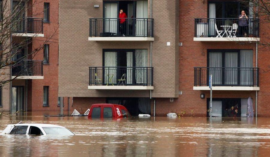 La ville de Tubize, en Belgique, inondée par les pluies diluviennes qui se sont abattues sur la région ce week-end.