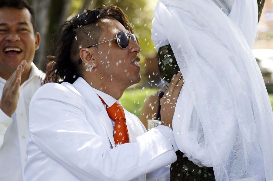 Le mariage de Richard Torres et un arbre, dimanche à Bogota