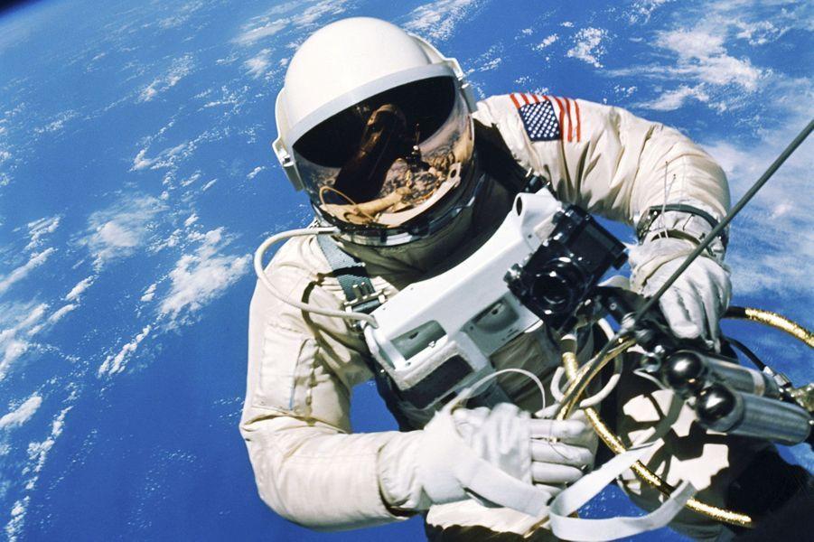 Ed White lors de la mission Gemini 4, en 1965