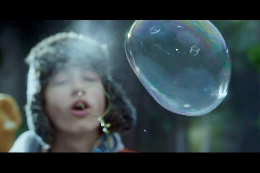 Les bulles se cristallisent avant d'exploser