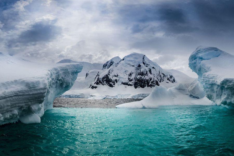 La beauté des Icebergs de l'Antarctique