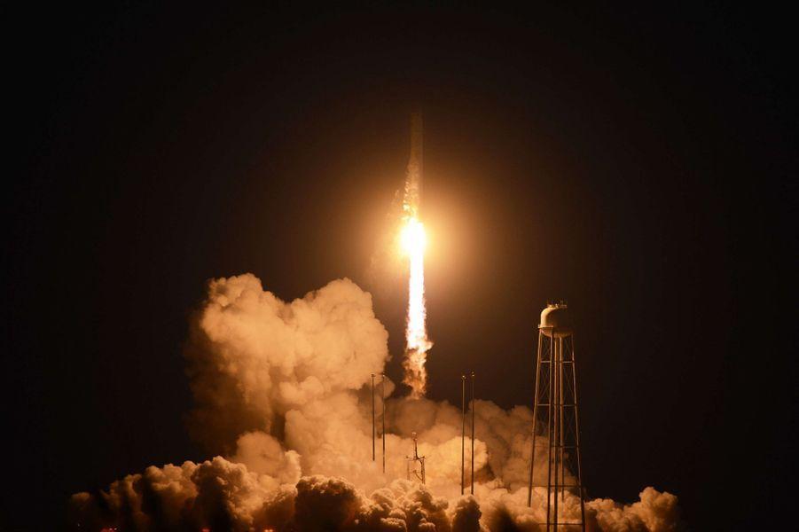 La fusée Antares a explosé mardi, peu après son décollage