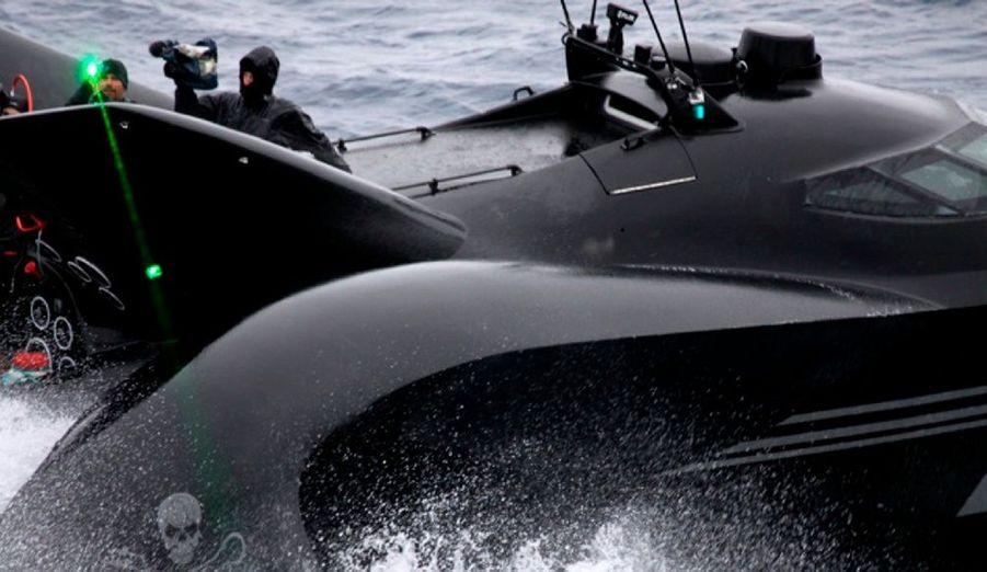 L'association écologique australienne Sea Sheperd est en colère. Des baleiniers japonais ont sciemment coulé l'Ady Gil, embarcation hyper-sophistiquée qui traquait les chasseurs de baleine dans le Pacifique. La scène aurait été filmée. L'équipage a été secouru à temps.
