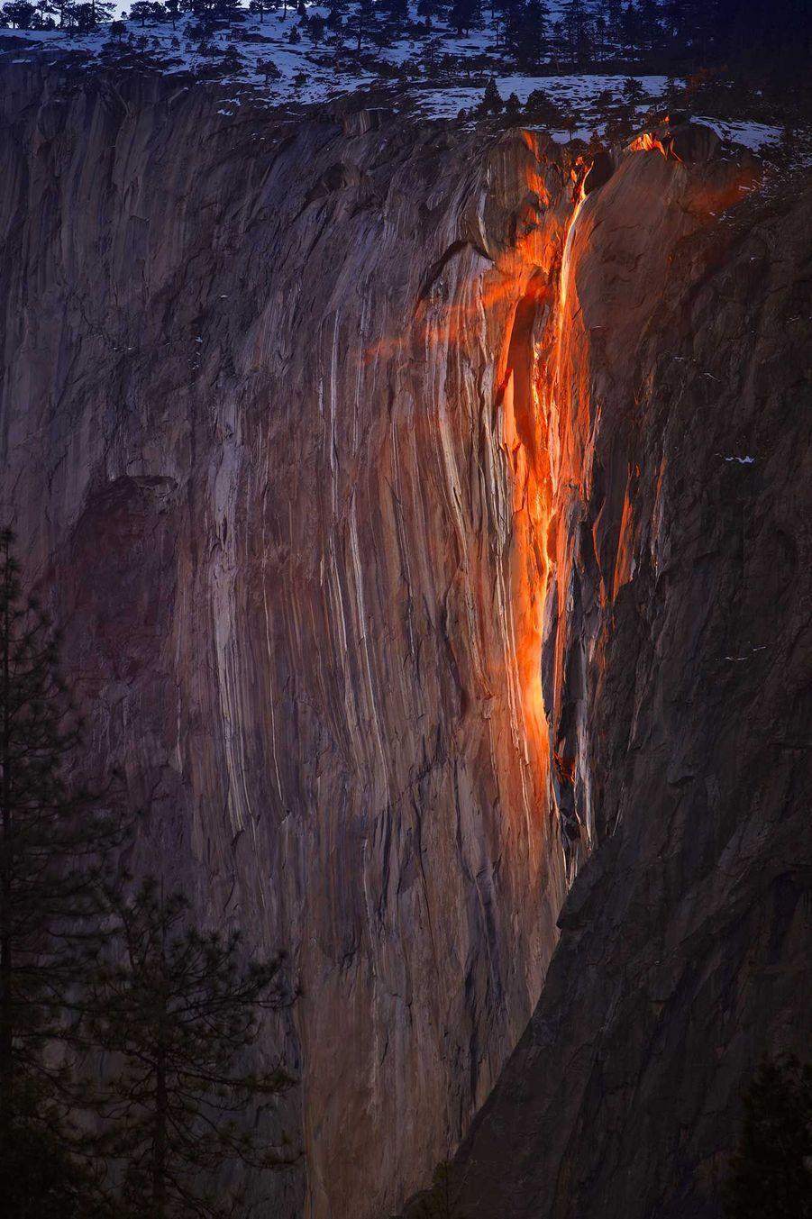 Les Horsetail Fall, situées dans le parc de Yosemite, aux Etats-Unis.
