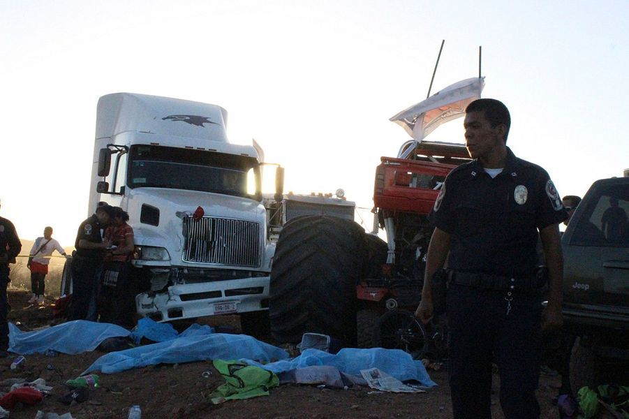 """""""Monster Truck"""" fou: les images d'un carnage"""