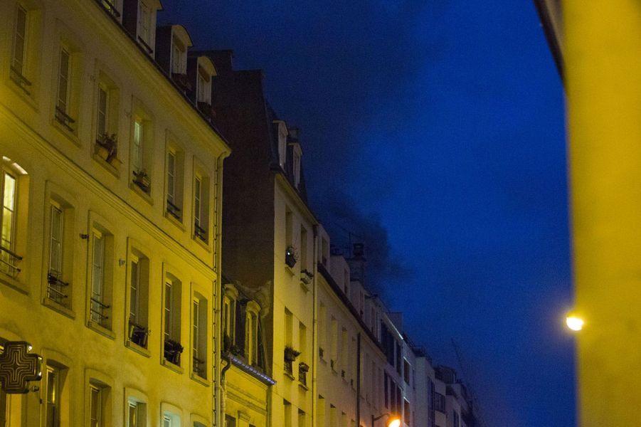 Incendie à Paris : la rue de Charonne plongée dans l'obscurité