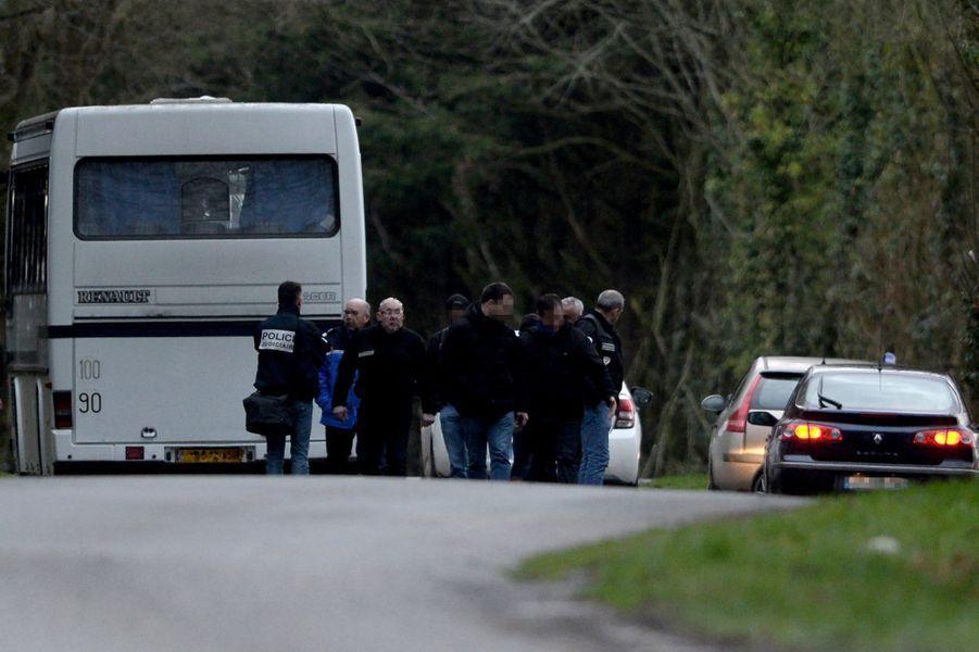 Le pantalon et la carte vitale de Charlotte Troadec ont été découverts près de Brest, le 1er mars 2017.