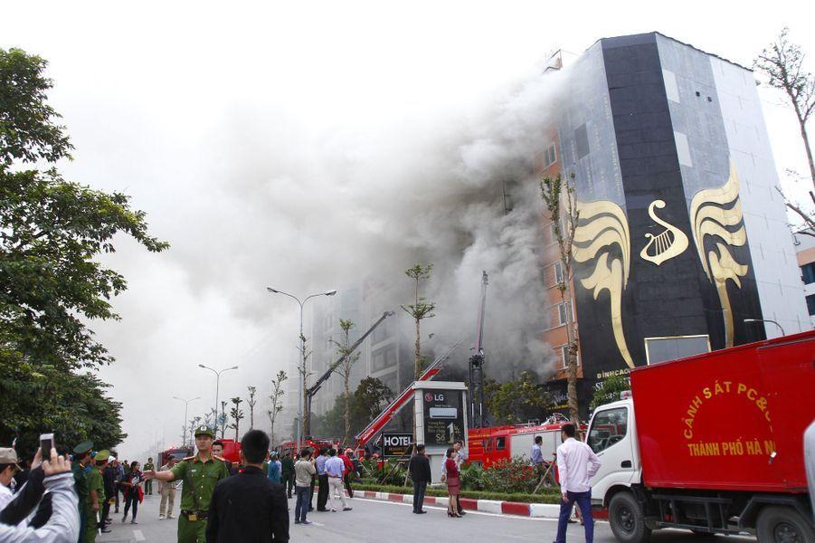 La soirée karaoké vire à la tragédie : 13 morts dans un bar à Hanoï