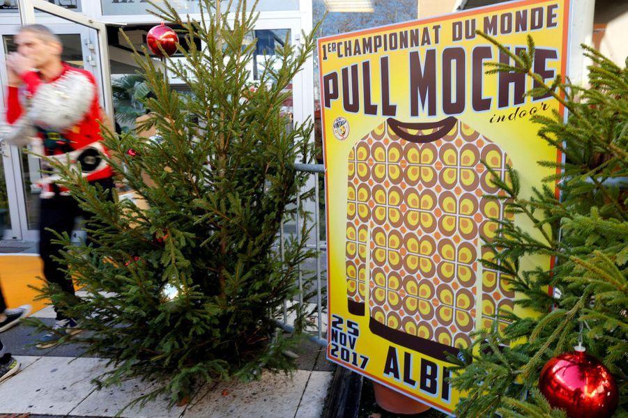 Championnat Pull Monde Au De Moche Du Bienvenue 43q5RLAj