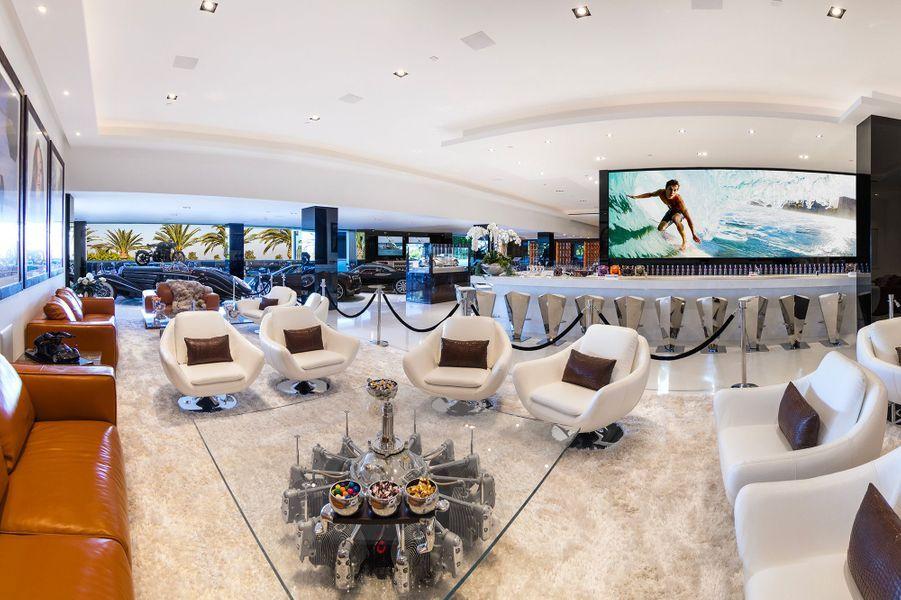 16 Lounge2 300DPI