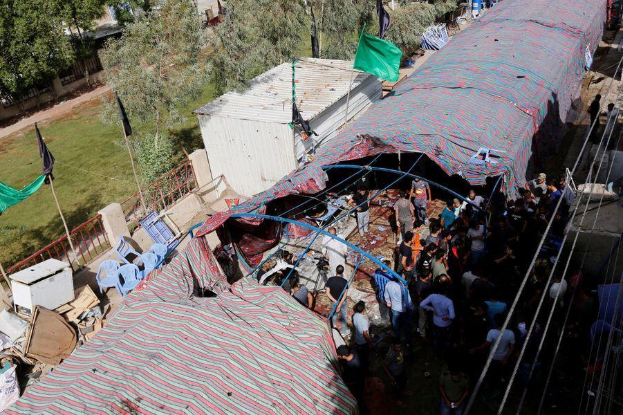 Au moins 34 personnes ont été tuées samedi dans un attentat suicide revendiqué par le groupe jihadiste Etat islamique (EI) dans un quartier chiite de Bagdad.