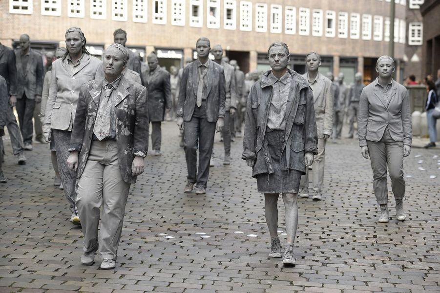 Les anti-G20 prennent d'assaut Hambourg