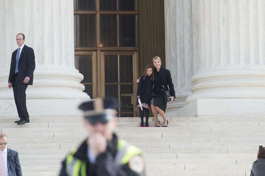 Ivanka Trump et sa fille Arabella à la Cour suprême, le 22 février 2017.