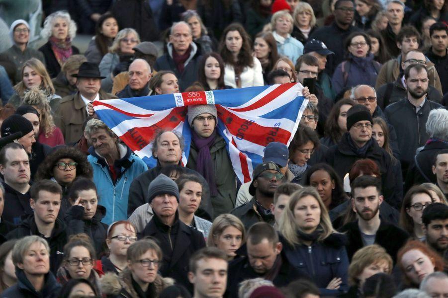 Les Londoniens ont rendu hommage jeudi aux victimes de l'attentat.