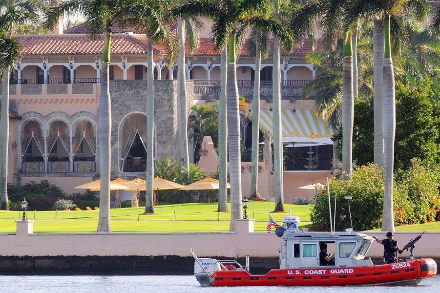 Donald Trump se trouve à Mar-a-Lago, sa résidence située à Palm Beach, en Floride.