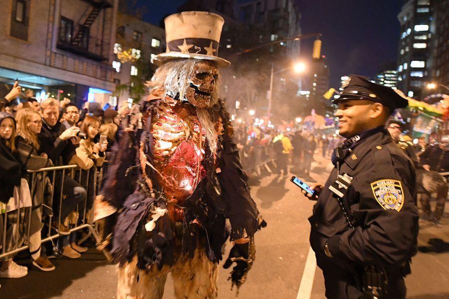 Les New-Yorkais ont célébré Halloween mardi soir.