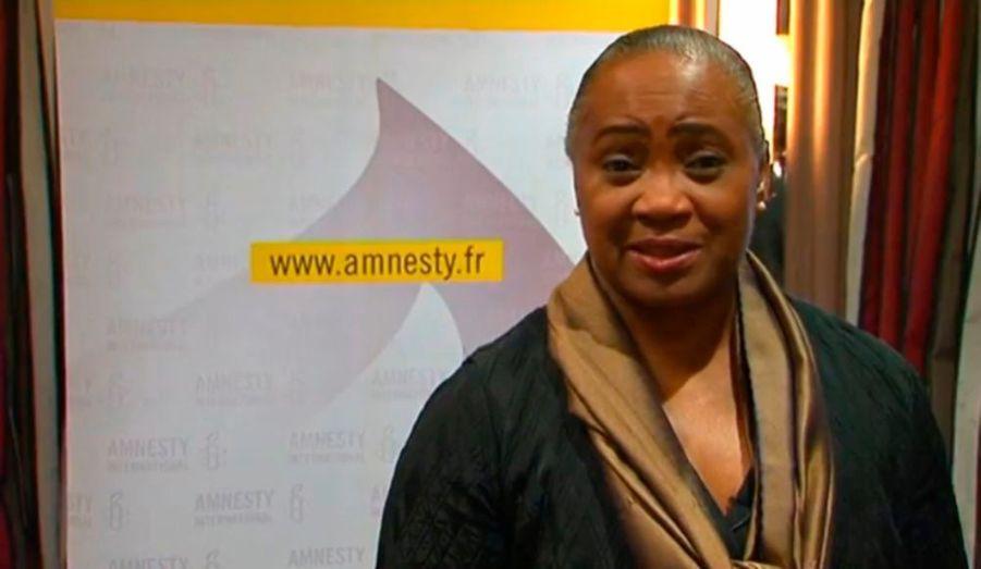 """Amnesty International se prévaut avoir environ 3 millions de membres. Parmi elles, la chanteuse de folk américaine Tracy Chapman, l'ambassadeur mondial de la musique sénégalaise Youssou n'Dour, l'ex-femme de Mick Jagger, mais aussi Barbara Hendricks, nommée en 1987 ambassadrice itinérante du Haut Commissariat des Nations Unies pour les réfugiés. """"Nous sommes tous ici pour fêter les 50 ans d'Amnesty International. 50 ans d'activisme pour les droits humains. Rejoignez-nous, vos signatures ont du pouvoir"""", a-t-elle déclaré, pour inciter chaque personne à rejoindre la cause d'Amnesty International."""