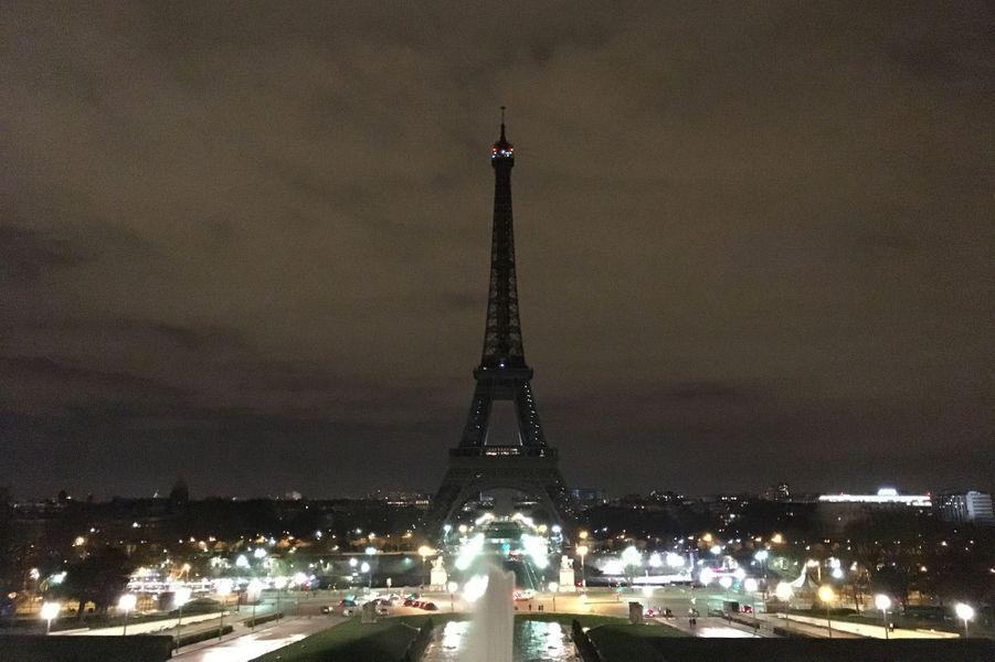 La Tour Eiffel éteinte