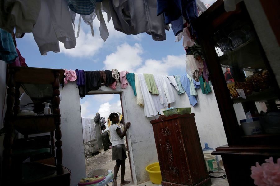 Maison ravagée àLes Cayes, en Haïti.