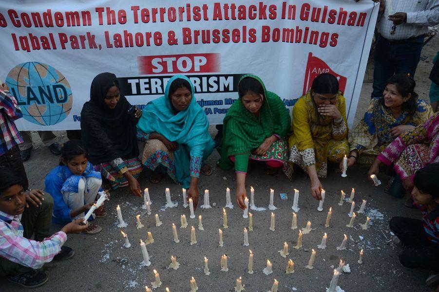 Attaque au Pakistan : l'hommage aux victimes