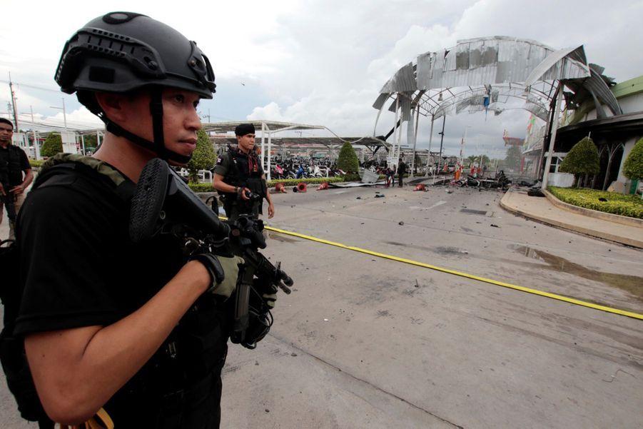 Double Explosion À Pattani En Thaïlande  4