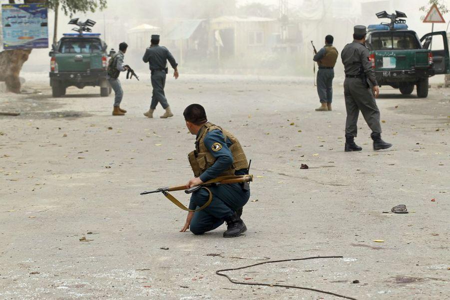 Attentat-suicide à Jalalabad