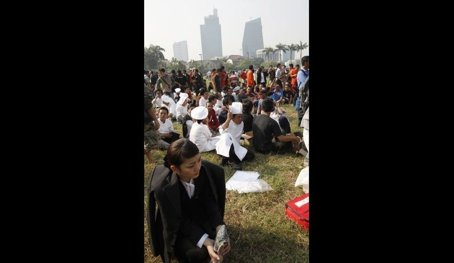 Les employés des hôtels Mariott et Ritz-Carlton ont été évacués dans le parc le plus proche.