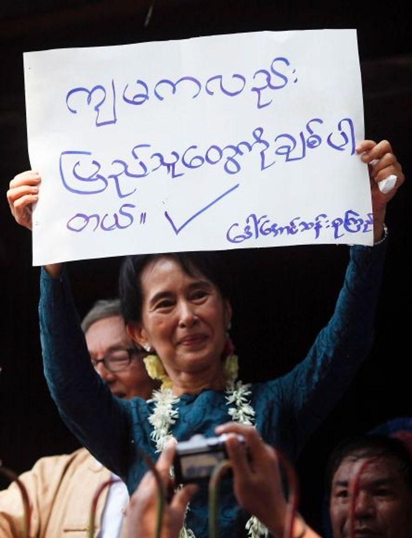 Et si la Birmanie devenait une démocratie ? La route est encore longue mais Aung San Suu Kyi se battra jusqu'au bout pour que ce rêve devienne réalité.