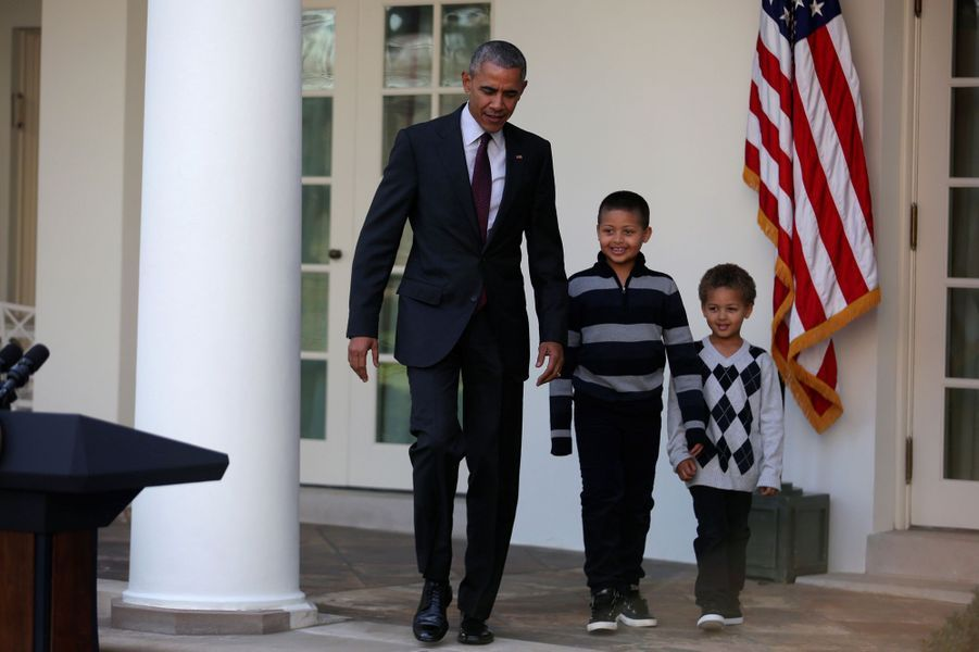 Barack obama a graci sa derni re dinde pour thanksgiving for Barack obama a la maison blanche