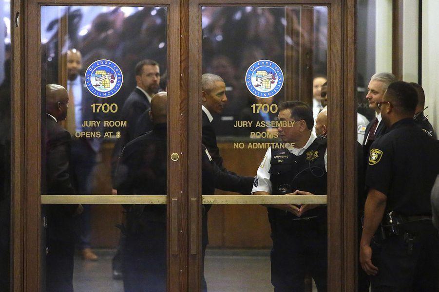 Barack Obama convoqué au tribunal de Chicago pour être juré — États-Unis