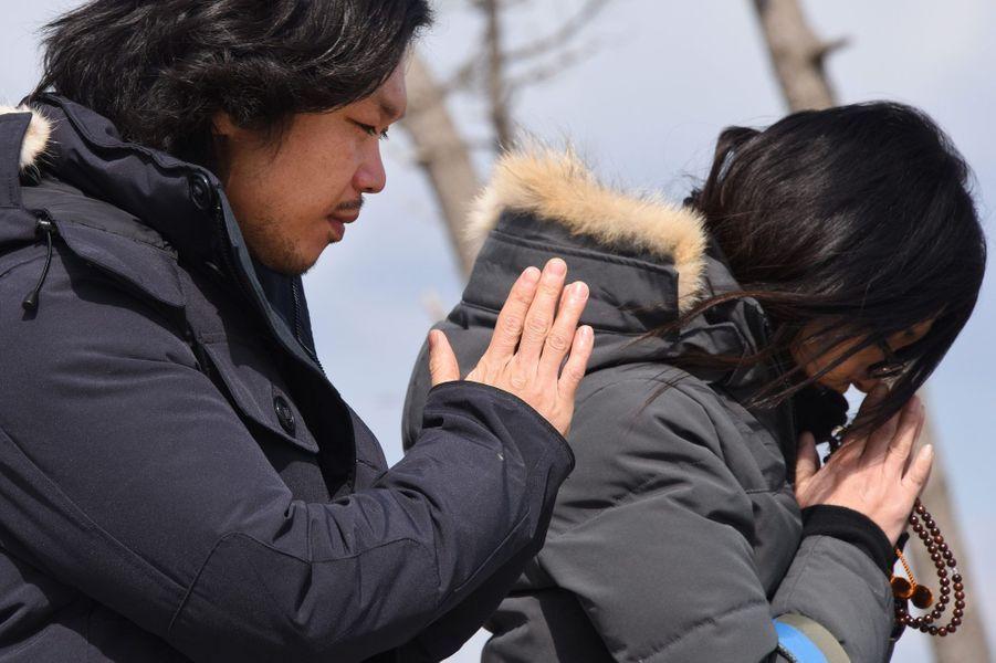 Prières pour les victimes du tsunami, cinq ans après, à Sendai