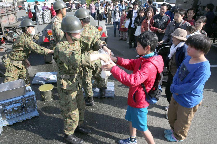 Des milliers de sans-abris au Japon après le tremblement de terre