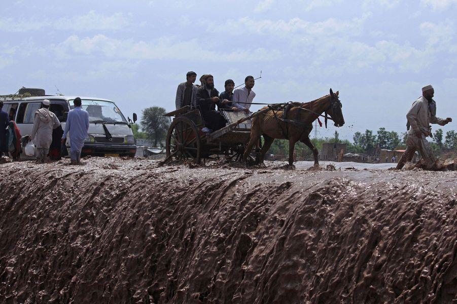 Les pluies diluviennes ont tué au moins 61 personnes au Pakistan
