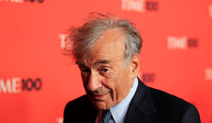 Ecrivain rescapé de la Shoah, Elie Wiesel, prix Nobel de la Paix en 1986, lutte pour la mémoire de l'Holocauste.