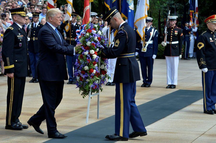 Donald Trump au cimetière national d'Arlington, le 29 mai 2017.