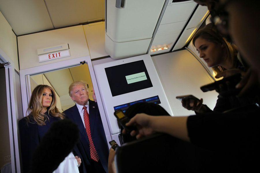 Donald Trump et Melania à bord d'Air Force One, vendredi.