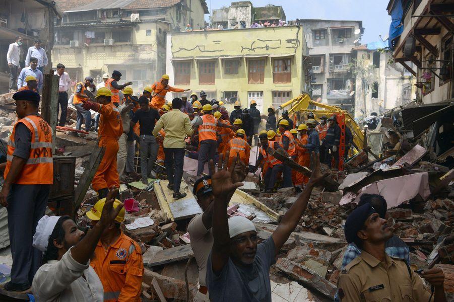 Un immeuble s'est effondré jeudi matin à Bombay
