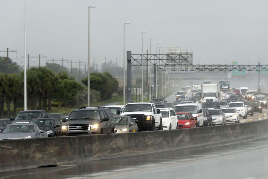 En Floride, les habitants se préparent au passage d'Irma.