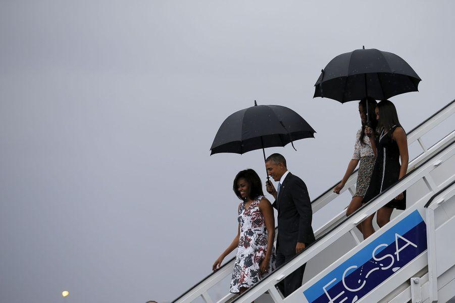 En images : Barack Obama sous la pluie de Cuba