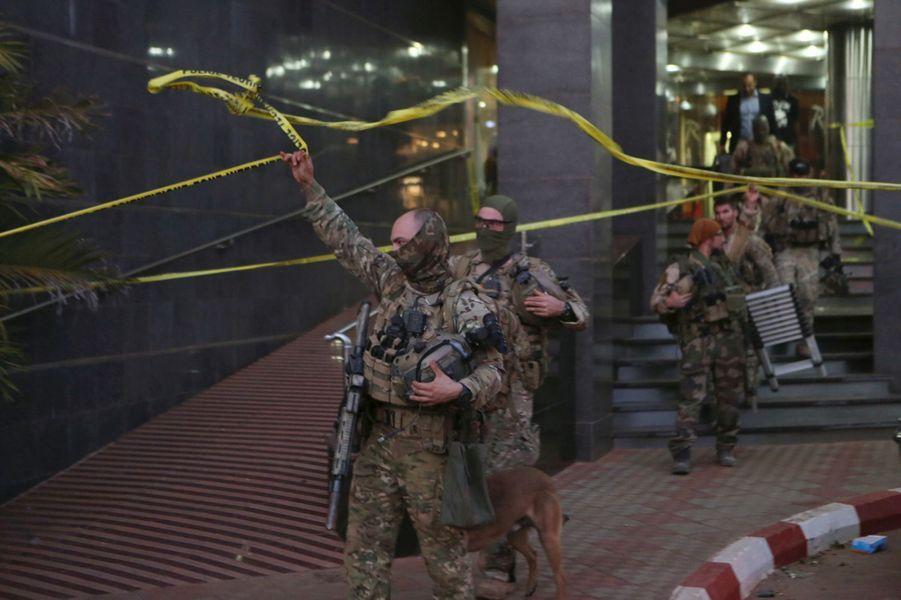 A Bamako, dans l'hôtel pris pour cible par les jihadistes