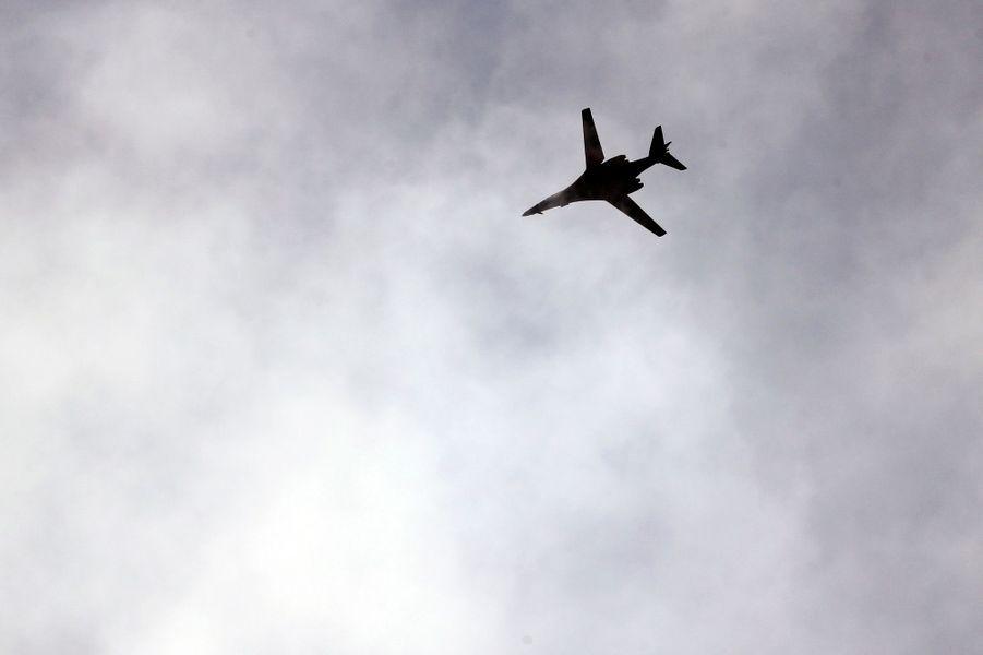 Un avion américain survole la frontière turque et syrienne