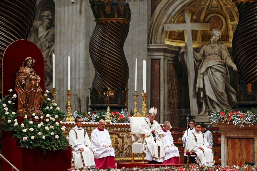 """A Noël, le pape appelle à un """"sens de la justice"""""""