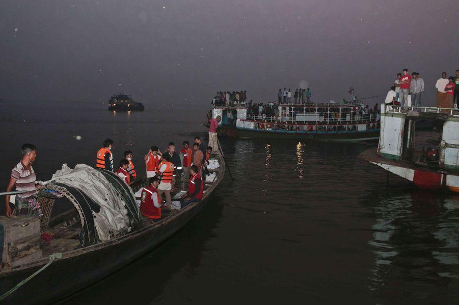 Accident de ferry mortel au Bangladesh