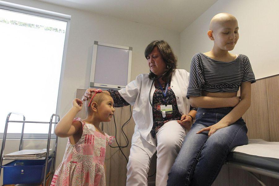Alexandra, 5 ans, a pu bénéficier d'une perruque sur mesure gratuite