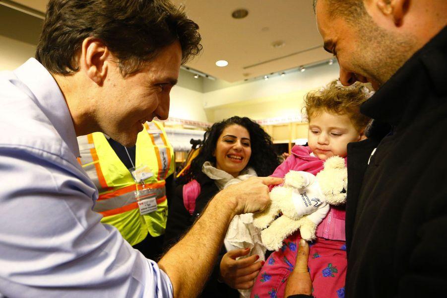 Justin Trudeau accueille les premiers réfugiés syriens