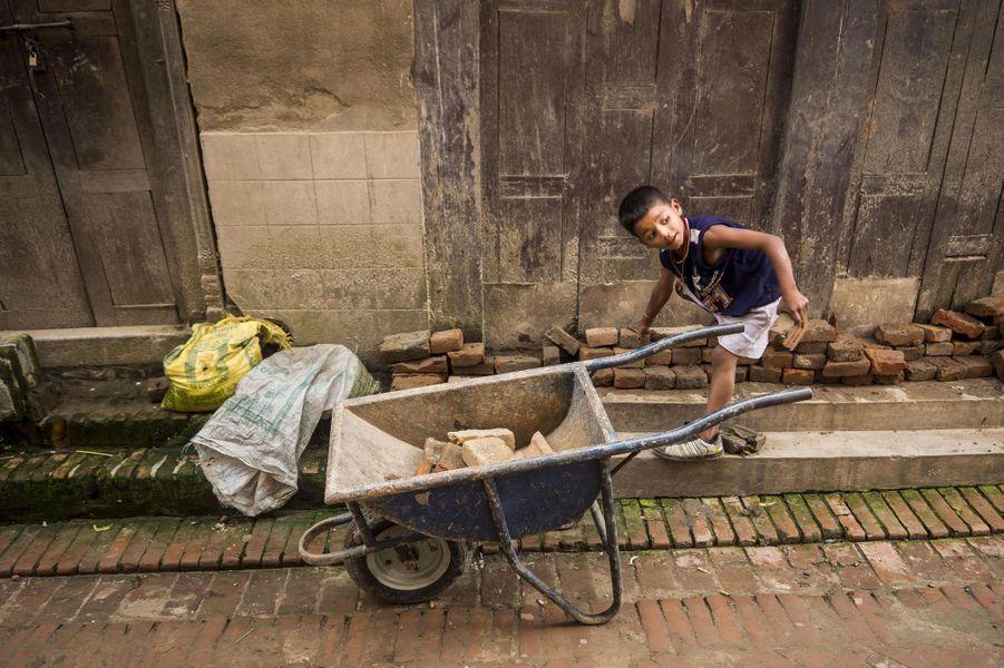Au Népal, se reconstruire après la tragédie