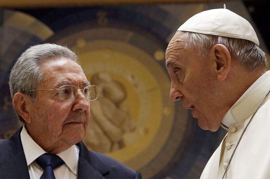 Au Vatican, Raul Castro remercie le Pape